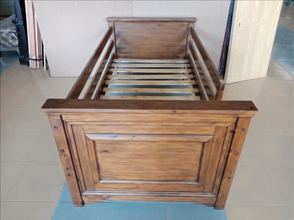 Giường em bé gỗ cao su SP012081