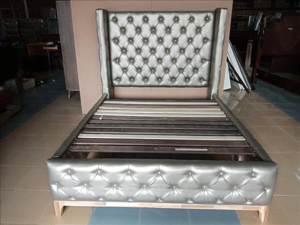 Giường gỗ bọc da SP012059