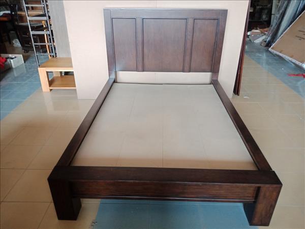 Giường gỗ mới 100% SP012011