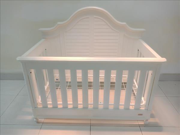 Nôi em bé gỗ tự nhiên SP011830