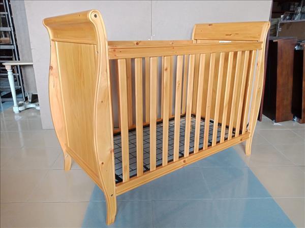 Nôi em bé gỗ tự nhiên mới 100% SP011996