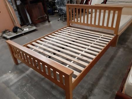Giường gỗ tự nhiên cũ SP015119