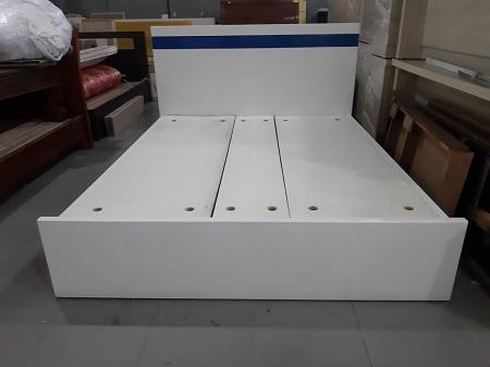 Giường  gỗ MDF cũ SP015020.8