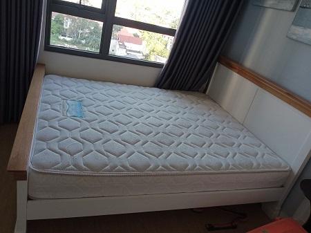 Giường gỗ tự nhiên cũ SP015057
