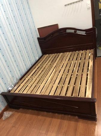 Giường gỗ tự nhiên cũ SP015086
