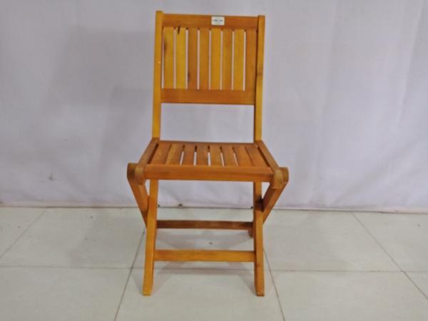Bán thanh lý ghế cafe gỗ cũ dạng xếp với giá rẻ SP006875