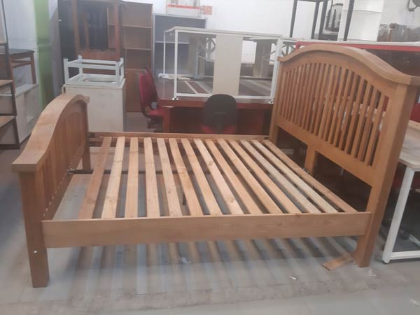Giường ngủ cũ SP012347
