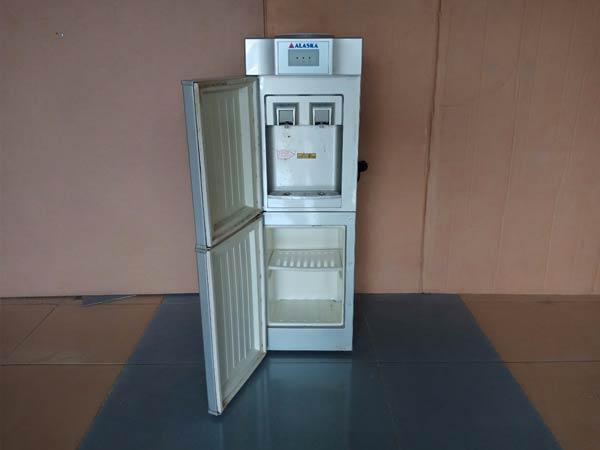 Máy nước nóng lạnh ALASKA R80