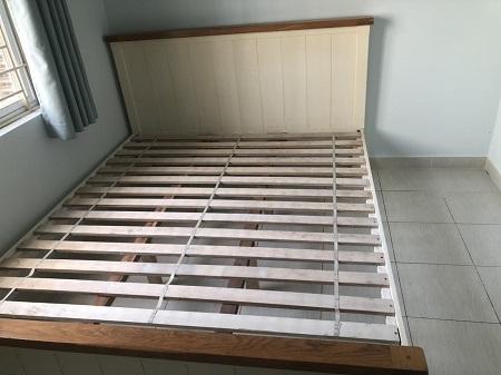 Giường gỗ tự nhiên cũ SP015262