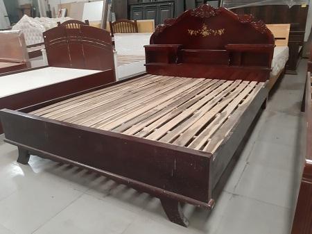 Giường gỗ tự nhiên (xưa ) cũ SP015243