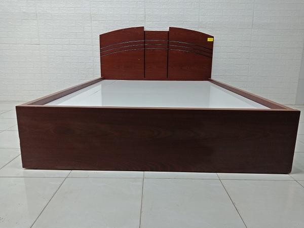 Giường gỗ cũ SP007185