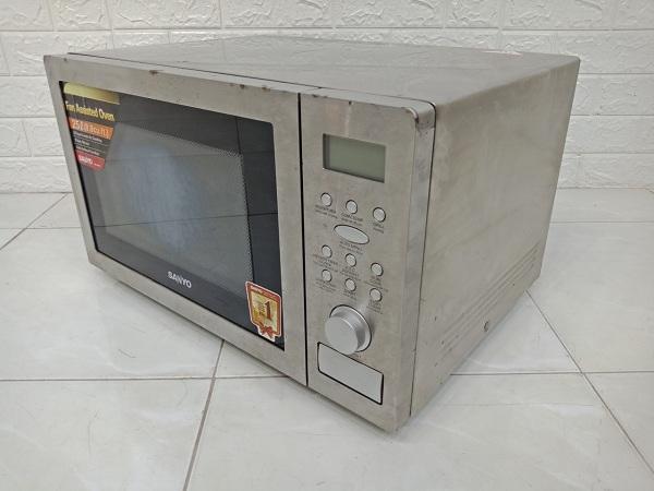 Lò vi sóng Sanyo EM-SL60C cũ