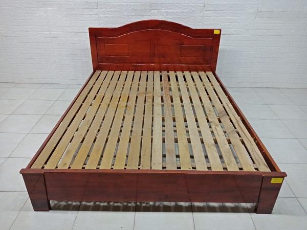 Giường gỗ cao su SP007360