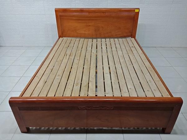 Giường gỗ Xoan mộc cũ SP007274