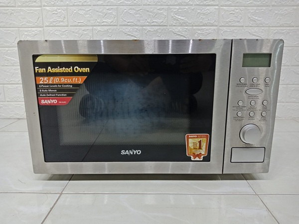Lò vi sóng Sanyo EM-SL60C cũ bán thanh lý giá rẻ