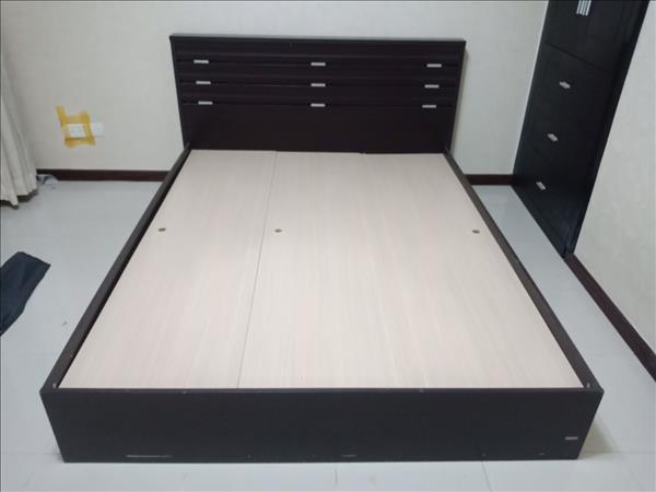 Giường ngủ cũ SP012435