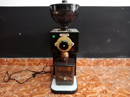Máy pha cafe Robust 0.5 HP  RMX60 SP012608