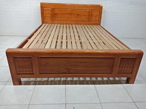 Giường gỗ Sồi cũ SP007827