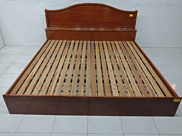 Giường gỗ cũ SP007396