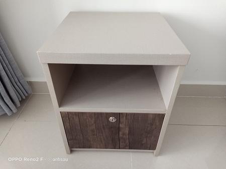 Tab đầu giường cũ SP012686