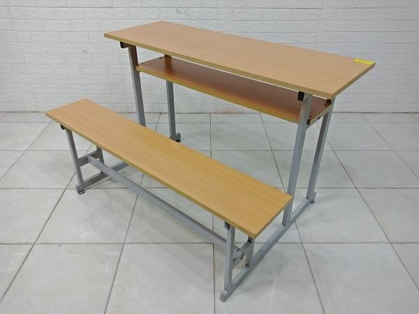 Bàn học sinh cũ SP008125