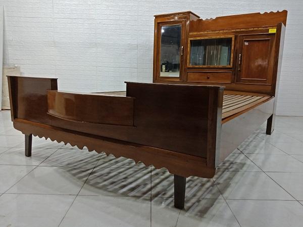 Giường gỗ cũ SP007845