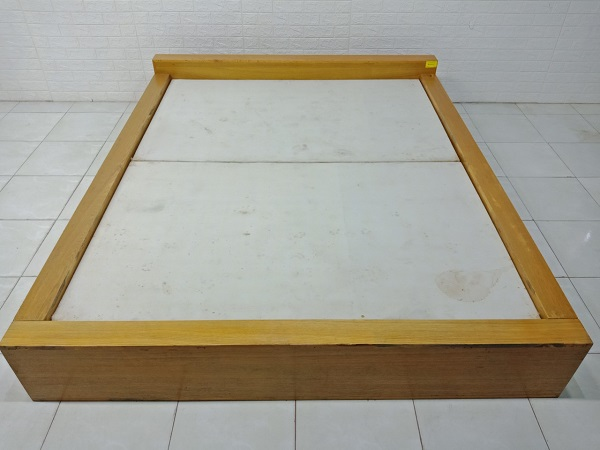 Giường gỗ cũ SP007629