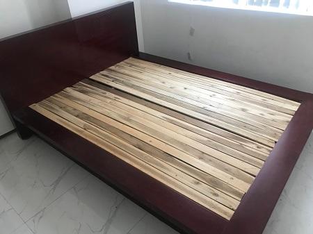 Giường gỗ cũ SP013118