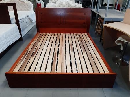 Giường  gỗ MDF cũ SP015778