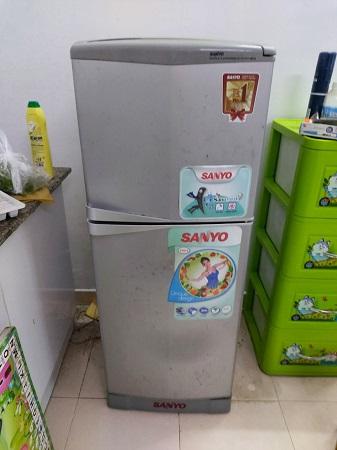 Tủ lạnh SANYO 143 Lít SR-145PN cũ SP015892