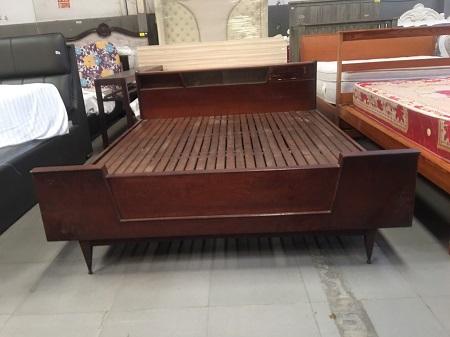 Giường gỗ tự nhiên cũ SP015903