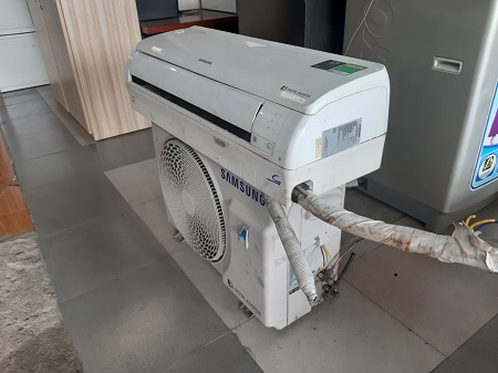 Máy lạnh Inverter Samsung 1.0HP AR10MVFHGWKX cũ SP015710.3