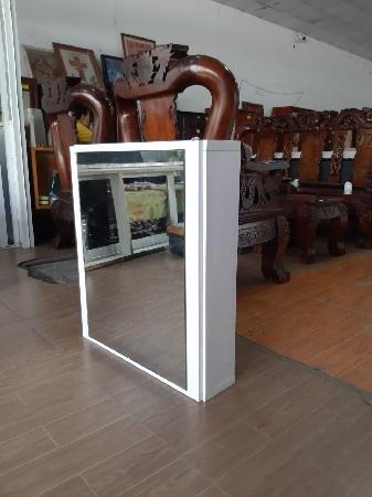Tủ mỹ phẩm cũ SP015771
