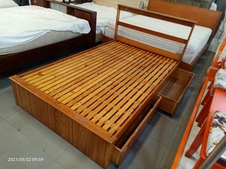 Giường gỗ tự nhiên cũ SP015872