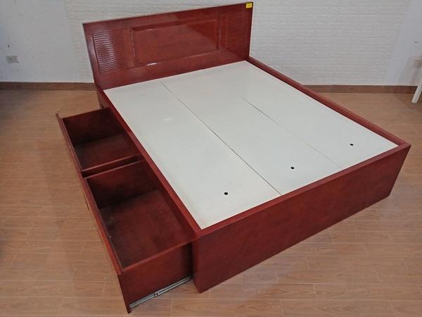 Giường gỗ cũ SP008197