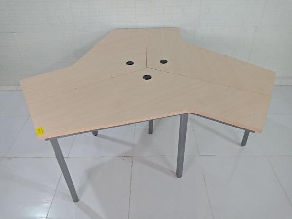 Cụm bàn làm việc 3 người cũ SP008405