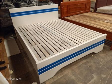 Giường  gỗ MDF cũ SP015992