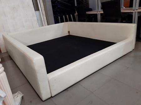 Giường bọc da cũ SP016029