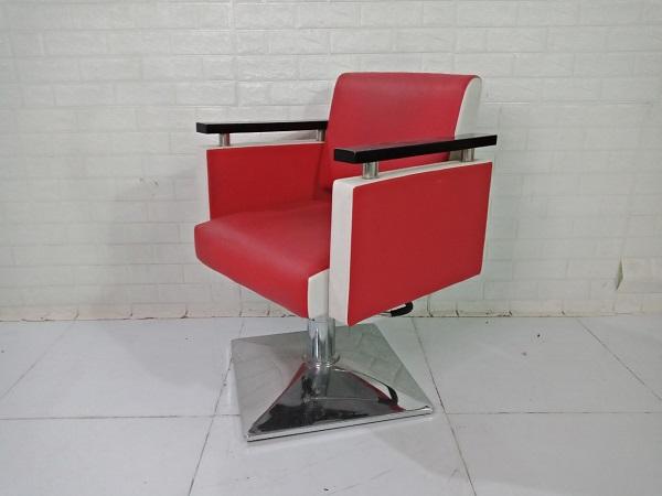 Ghế hớt tóc cũ SP009189
