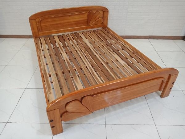 Giường gỗ Xoan đào cũ SP008695.1
