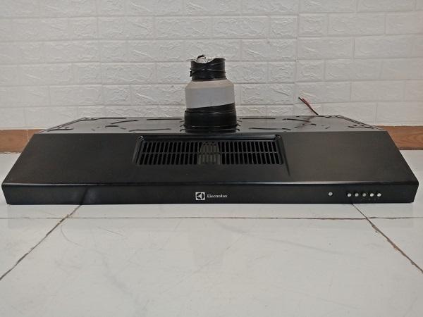 Máy hút mùi Electrolux EFT7516X cũ
