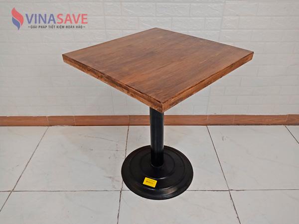 Bàn gỗ chân sắt SP009099