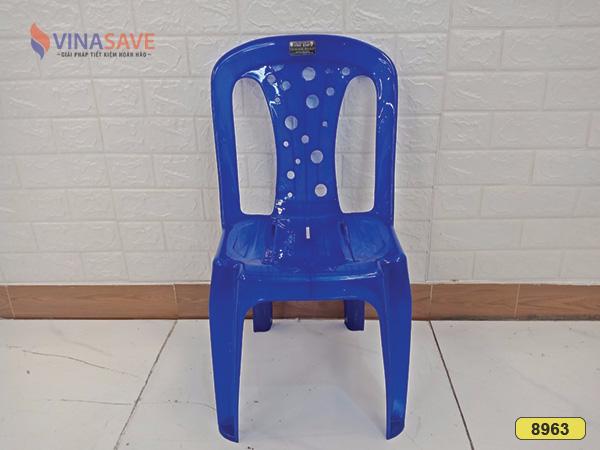 Ghế nhựa cũ SP008963