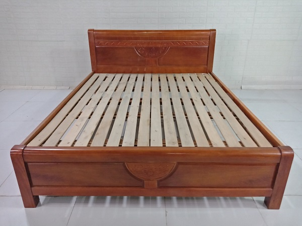 Giường gỗ Xoan đào cũ SP008767