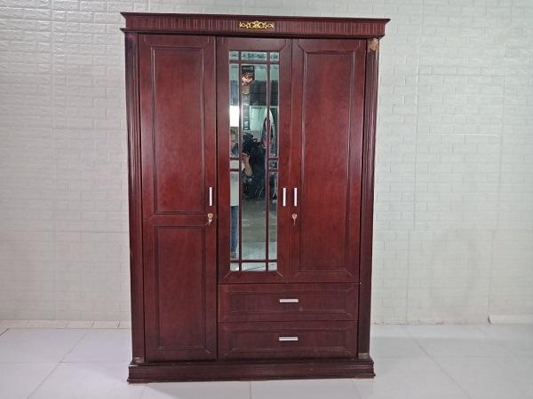 Tủ quần áo cũ SP008768