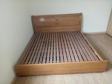 Giường gỗ cũ SP013631