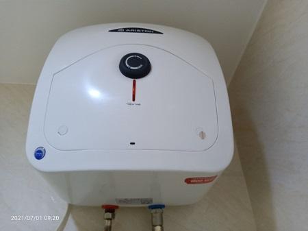 Máy nước nóng phòng tắm ARISTON  AN15R2.5PE cũ SP016057