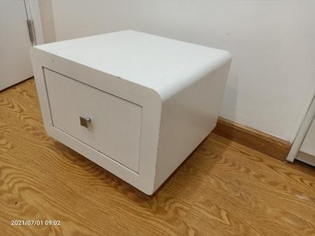 Tủ đầu giường cũ SP016059