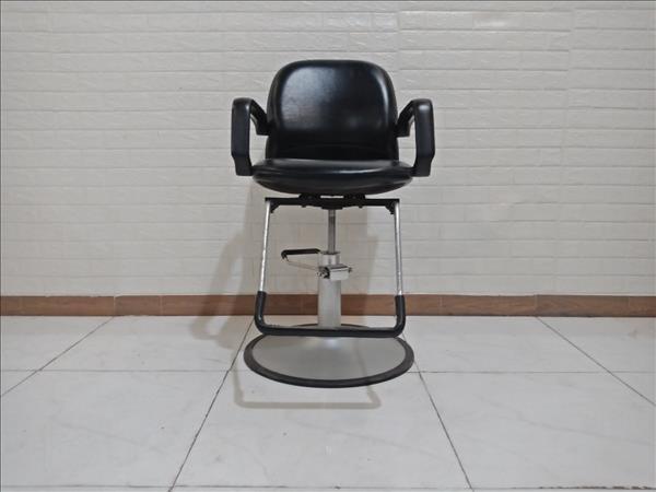 Ghế hớt tóc cũ SP009353