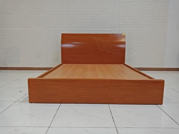 Giường gỗ cũ SP009167